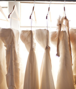 Should Grooms be allowed to help choose the wedding dress?